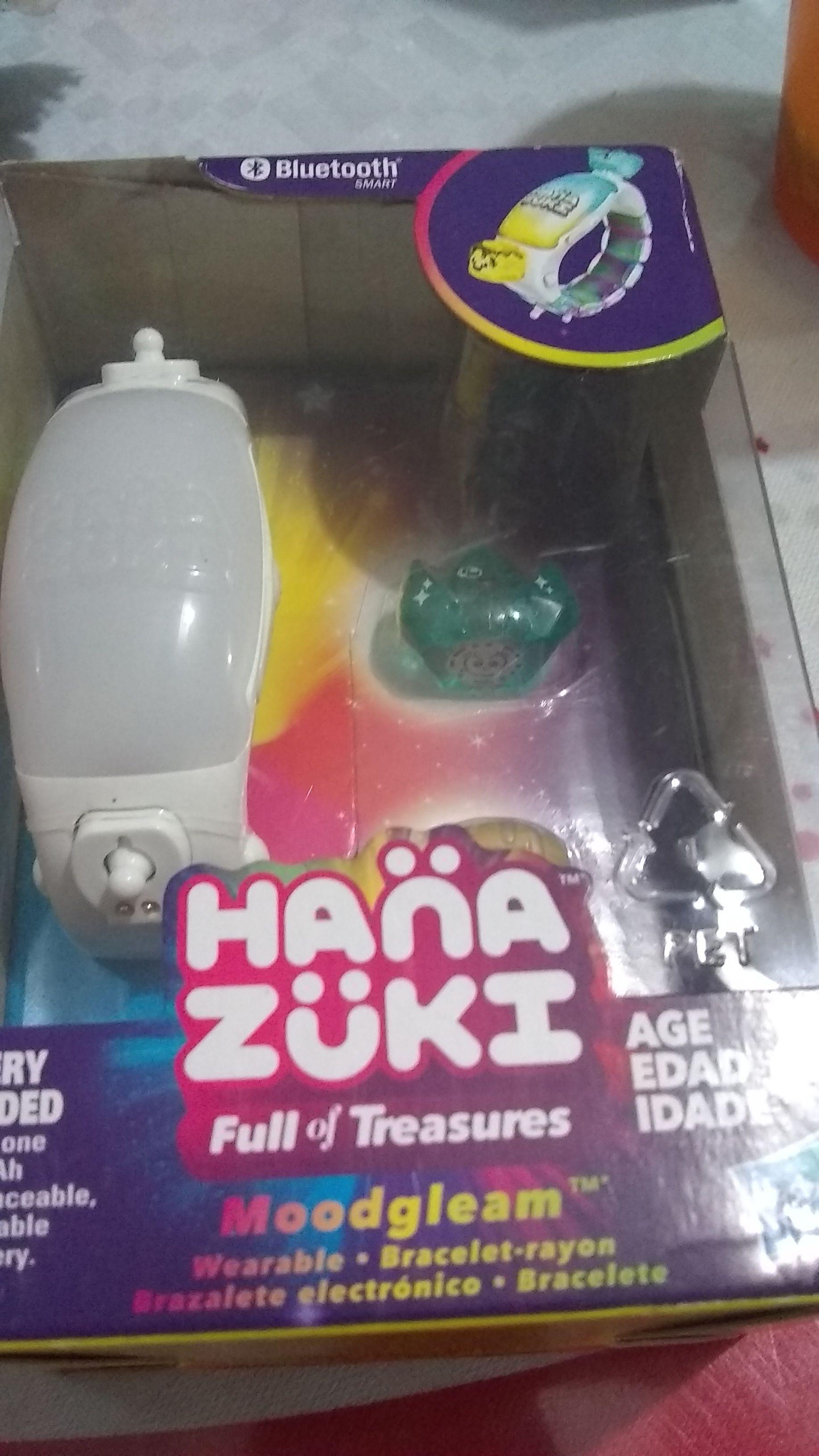 Soriana: Brazalete hana zuki y otros juguetes