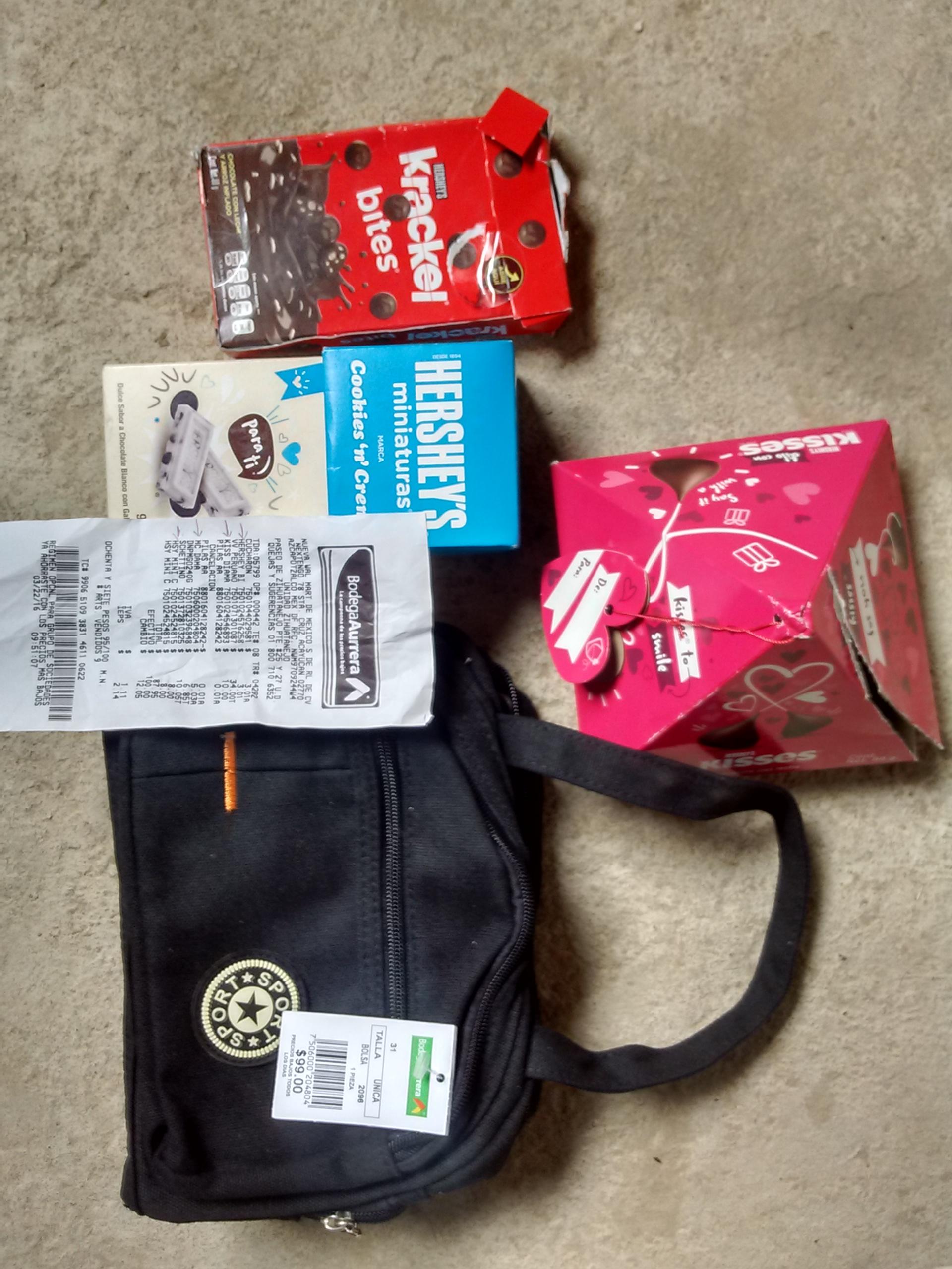 Bodega Aurrerá: Bolsa de mano de $99 a $5.03, varios chocolates Hershey's