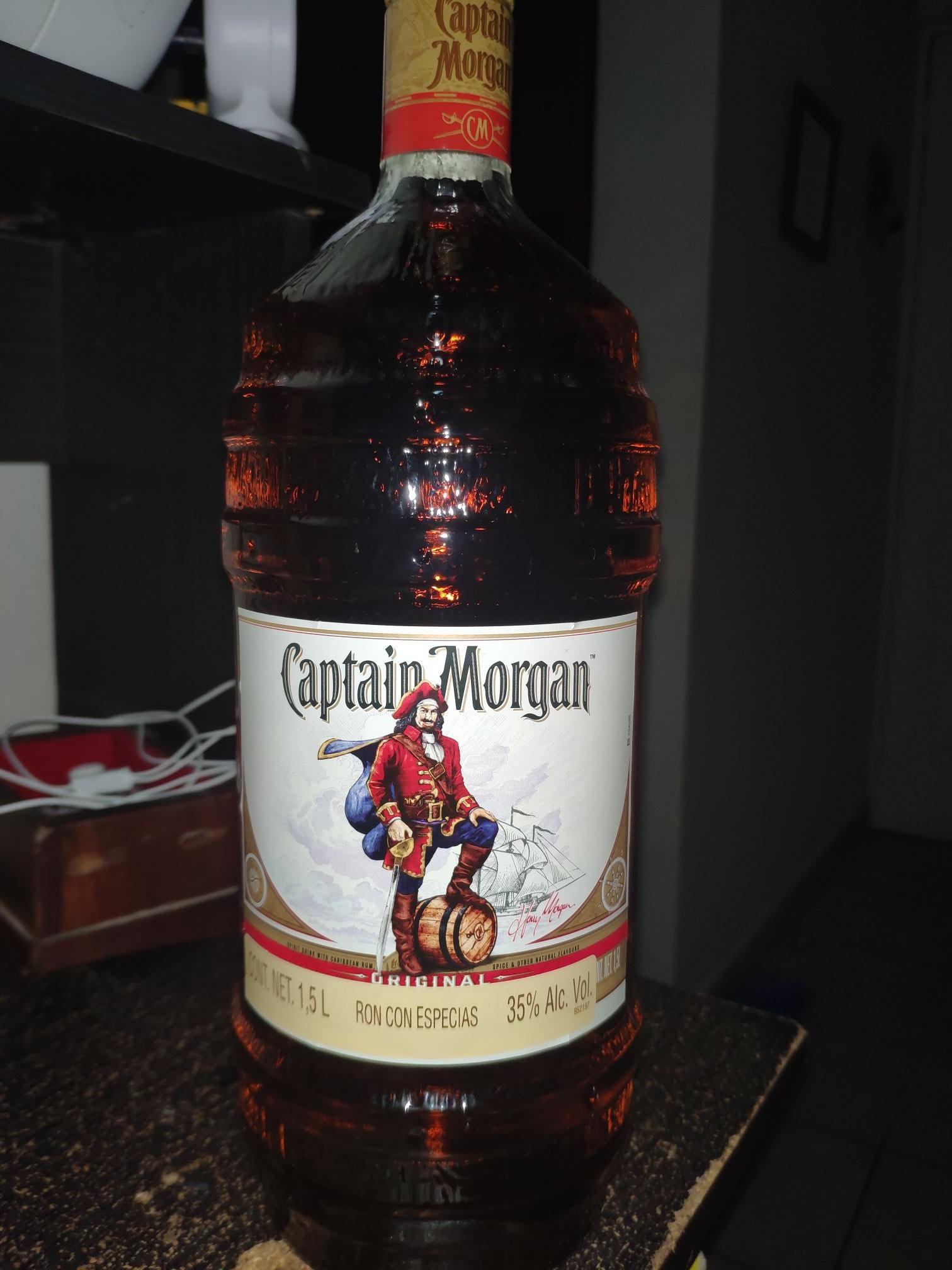 Bodega Aurrerá Ron Captain Morgan 1.5L