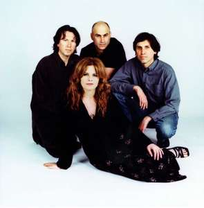 Disco COWBOY JUNKIES: LIVE AT THE BELLY-UP como descarga GRATUITA por cortesía de Noisetrade.