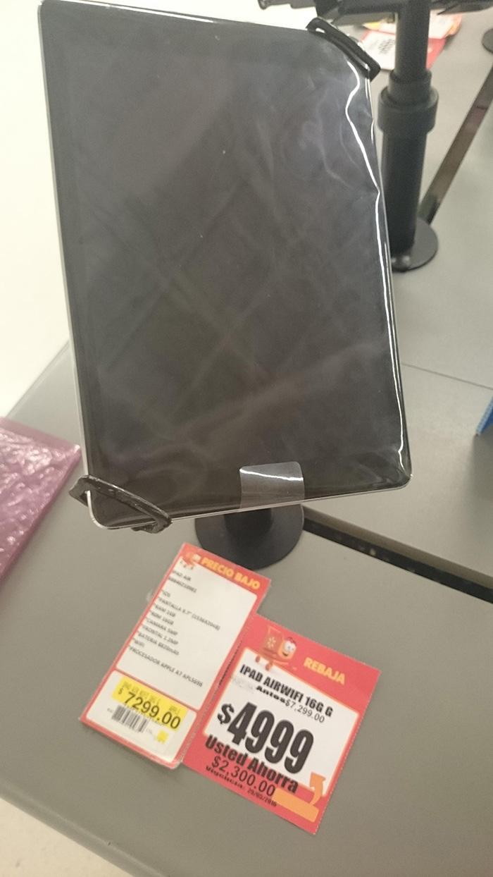 Walmart Av. Hidalgo, Tampico: iPad Air Wifi de 16GB negra $4,999
