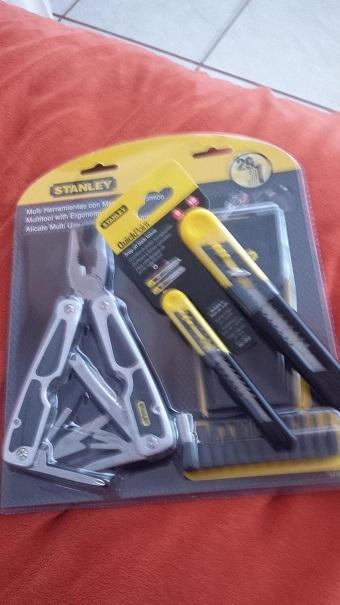 Walmart: Pinzas multi herramientas Stanley modelo 94-806 a $95.02