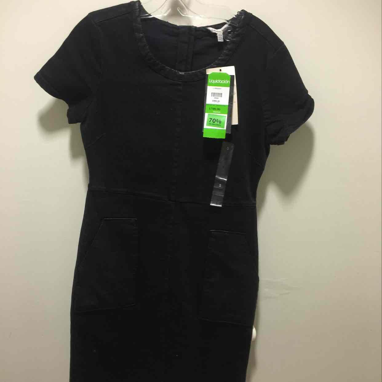 Liverpool: vestido liso Calvin Klein a $240