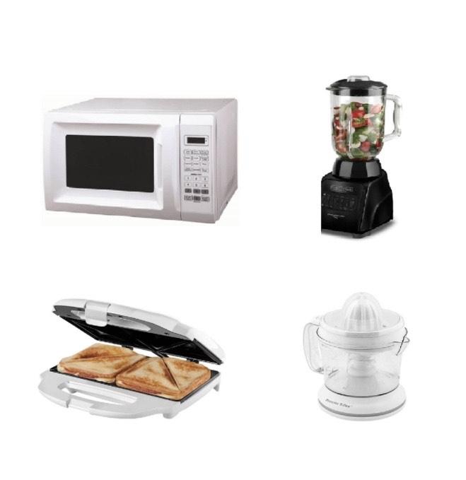 Best Buy: Horno de microondas, licuadora, sandwichera y extractor de jugos.