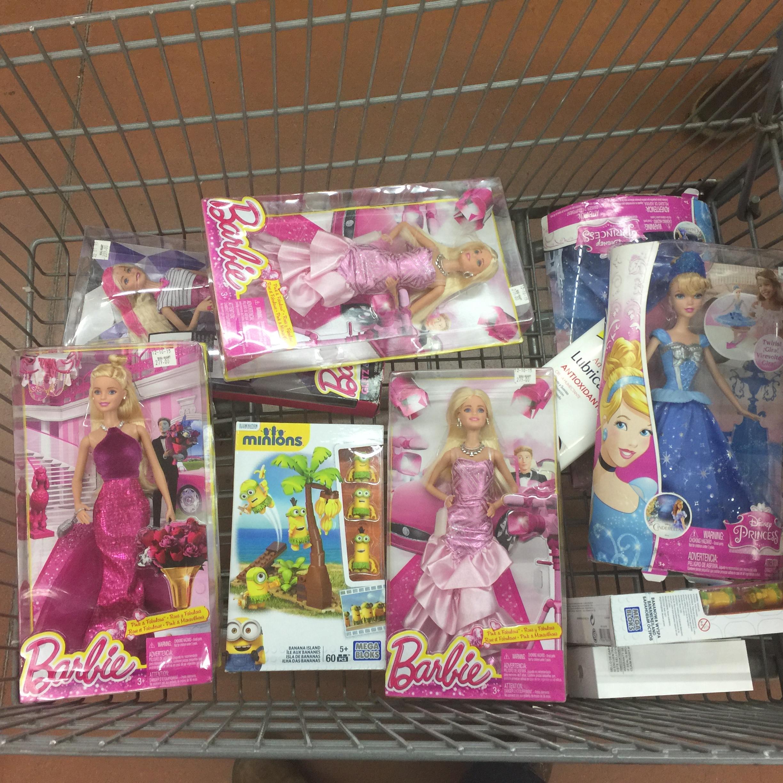 Walmart CD. Jardin: varios modelos de Barbie en $35.01