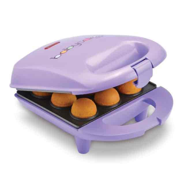 Amazon: Babycakes Máquina para hornear magdalenas o pasteles miniatura