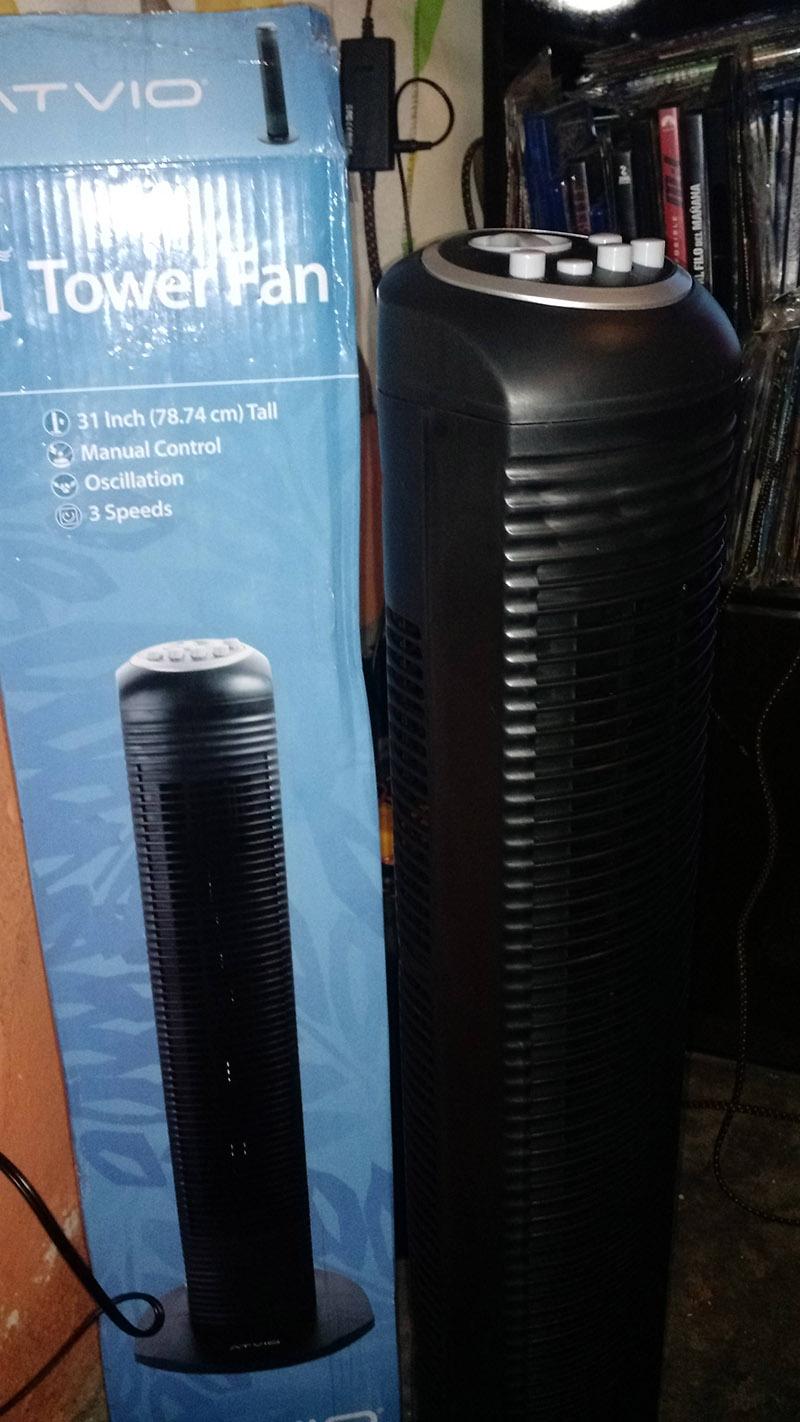 Bodega Aurrerá Chalco: Ventilador de Torre marca ATVIO en Oferta