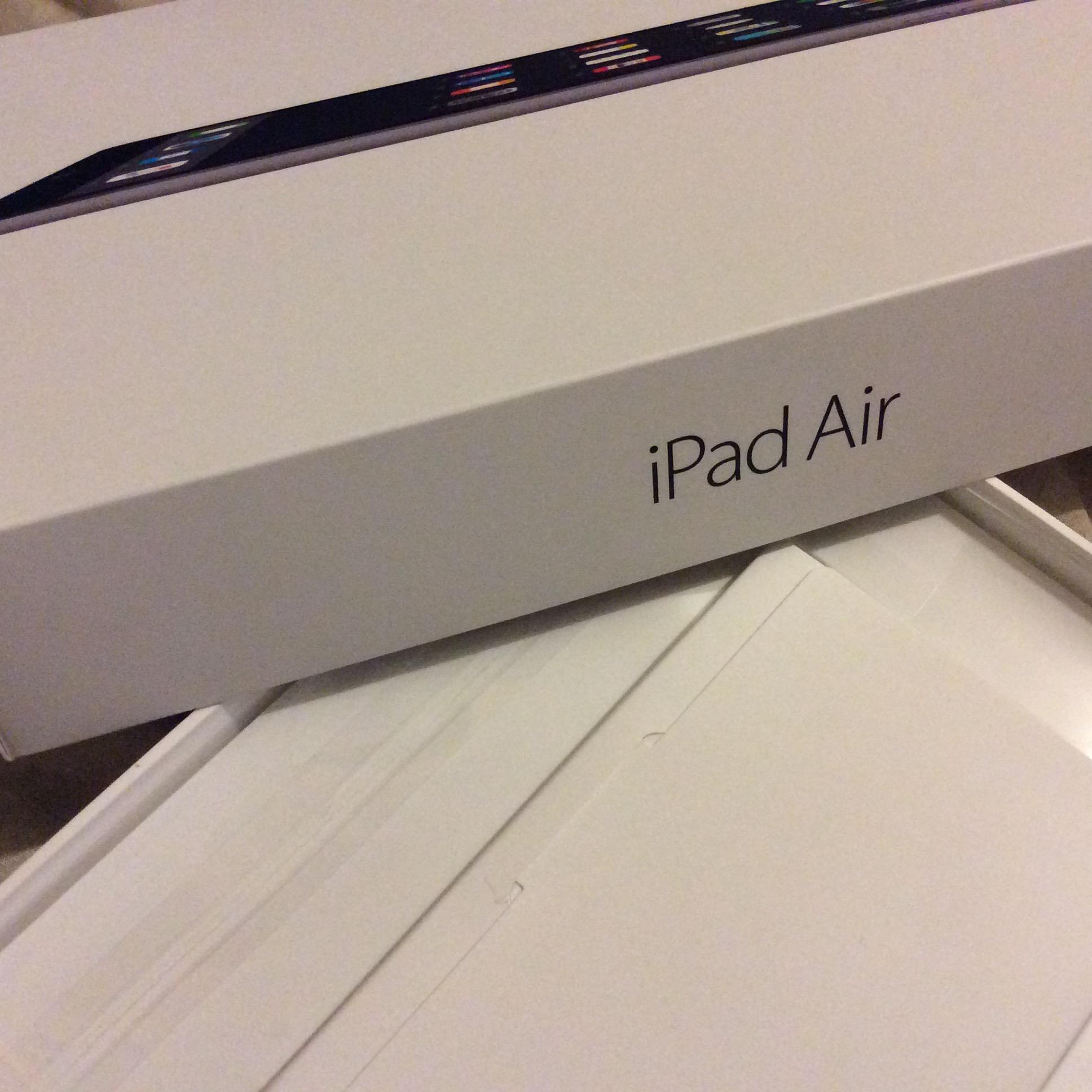 Walmart Plaza Oriente: iPad Air  de 16GB a $4,499