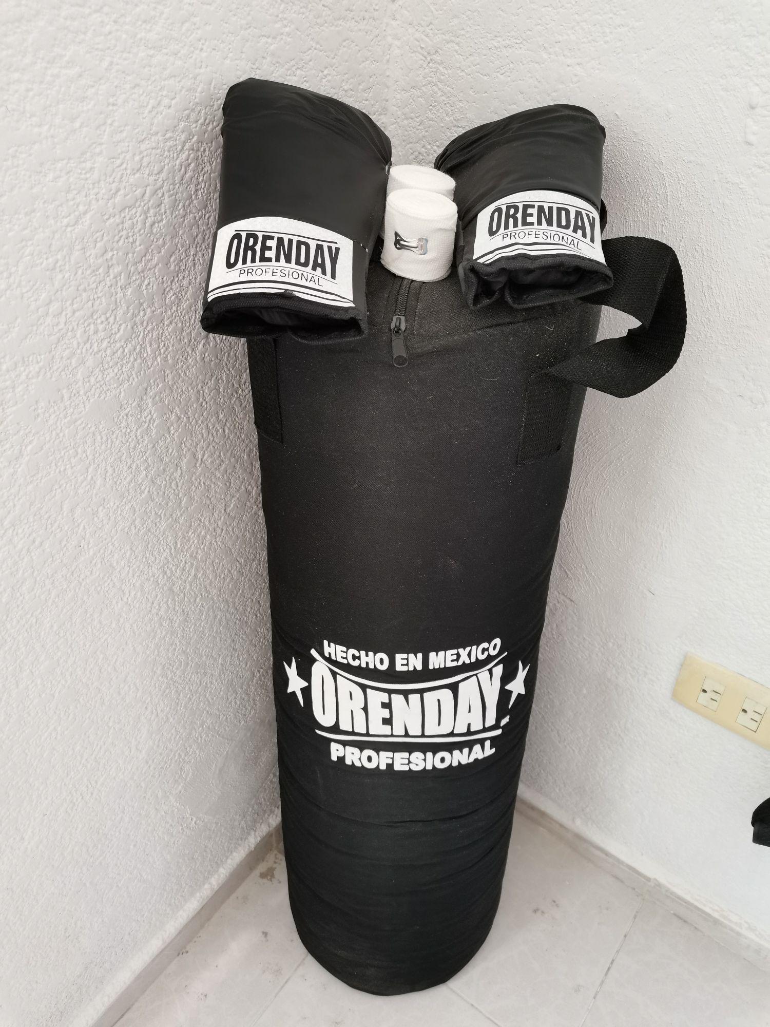 Soriana: Costal de boxeo (90 cm)