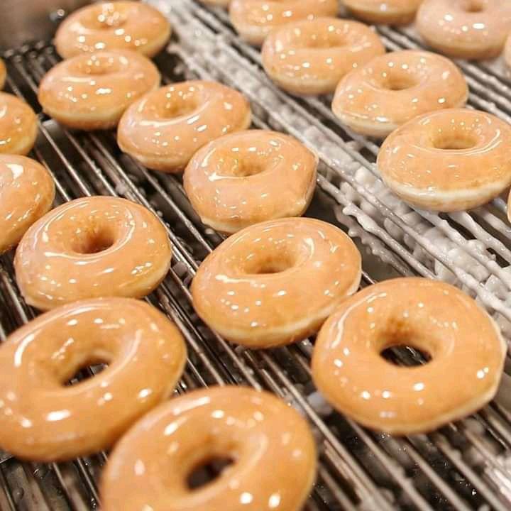 Krispy Kreme: Docena Glaseada Original a $99 del 10 al 12 de Julio