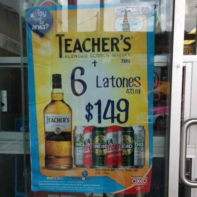 Oxxo: Whisky + 6 latones = Fiesta por $149