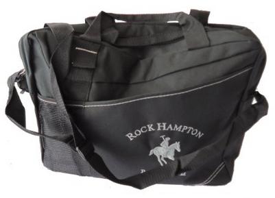"""Amazon: porta Laptop 17"""" con correa Rock Hampton Polo Team a $99 (vendido por un tercero enviado por Amazon)"""