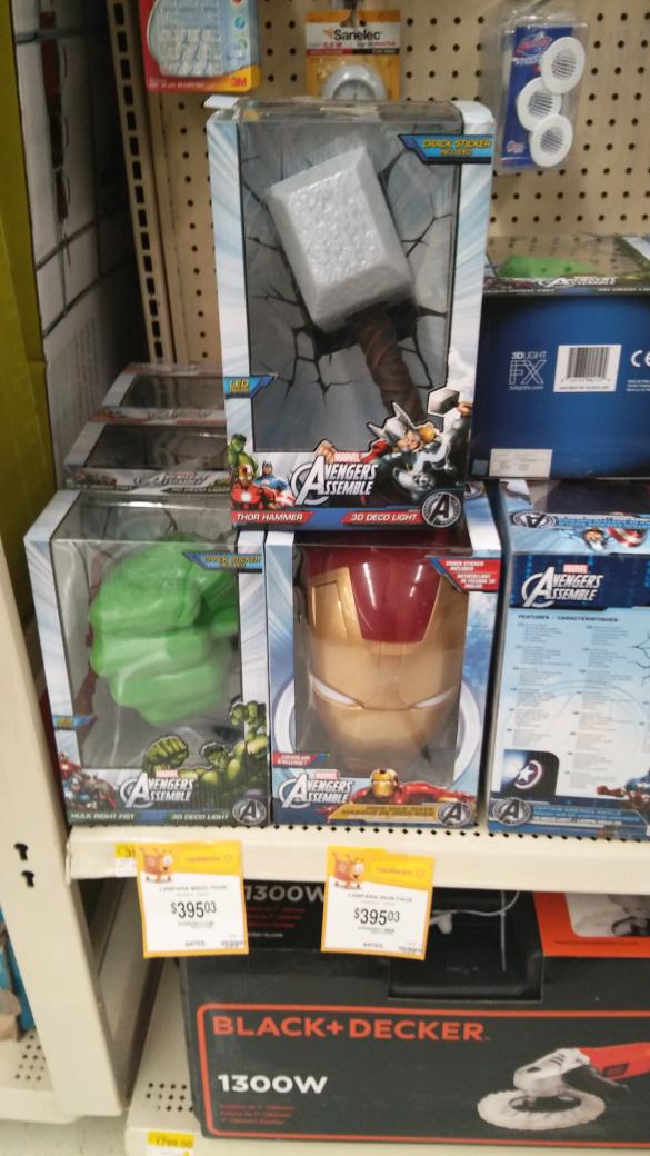 Walmart Domingo Diez: lámpara Avengers Assemble a $395.03