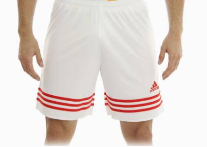 Liverpool: Short Adidas Fútbol.