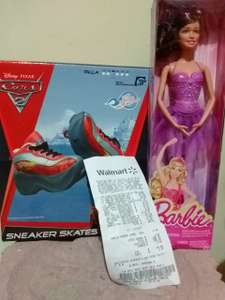 Walmart: tenis patines $90 y barbie $35