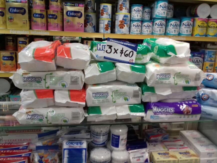 Farmacias del Ahorro: 3 paquetes de Toallitas Huggies por $60