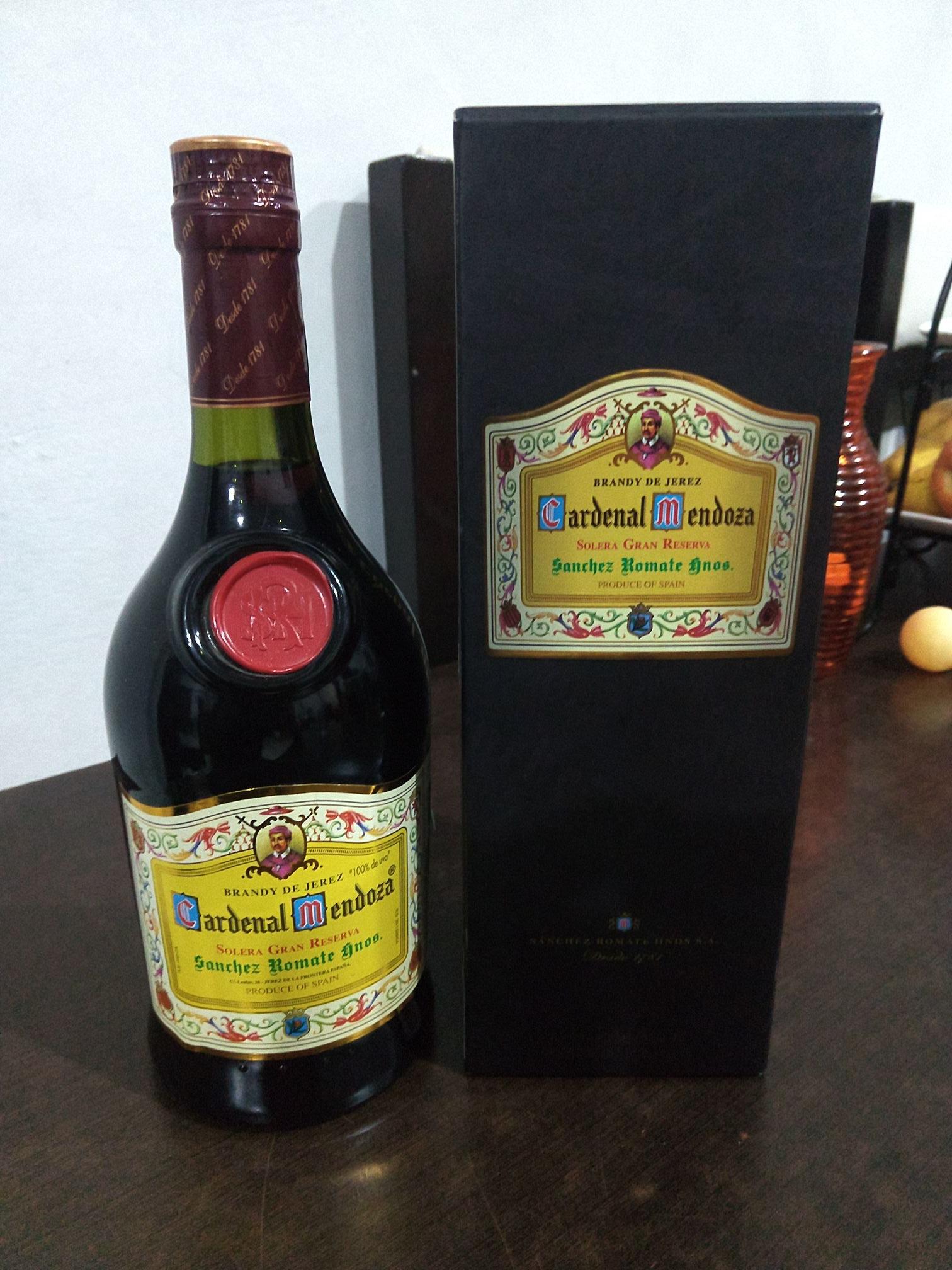 Walmart oriente: brandy cardenal de Mendoza