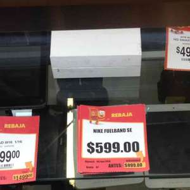 Walmart Gran Patio Zapopan: Nike Fuelband a $599