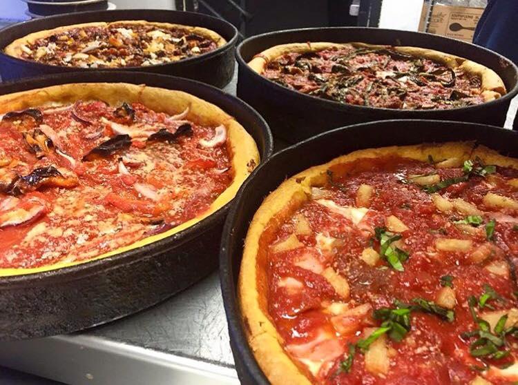 Gino's East México: platillos a $50, por ejemplo Pizza Deep Dish (CDMX)