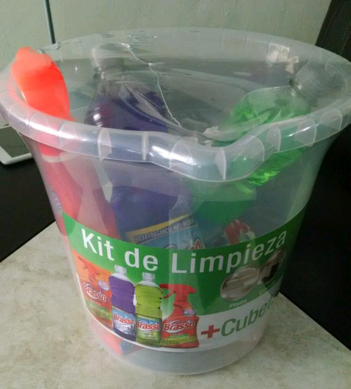 Bodega Aurrerá Irapuato: kit de limpieza + cubeta $59