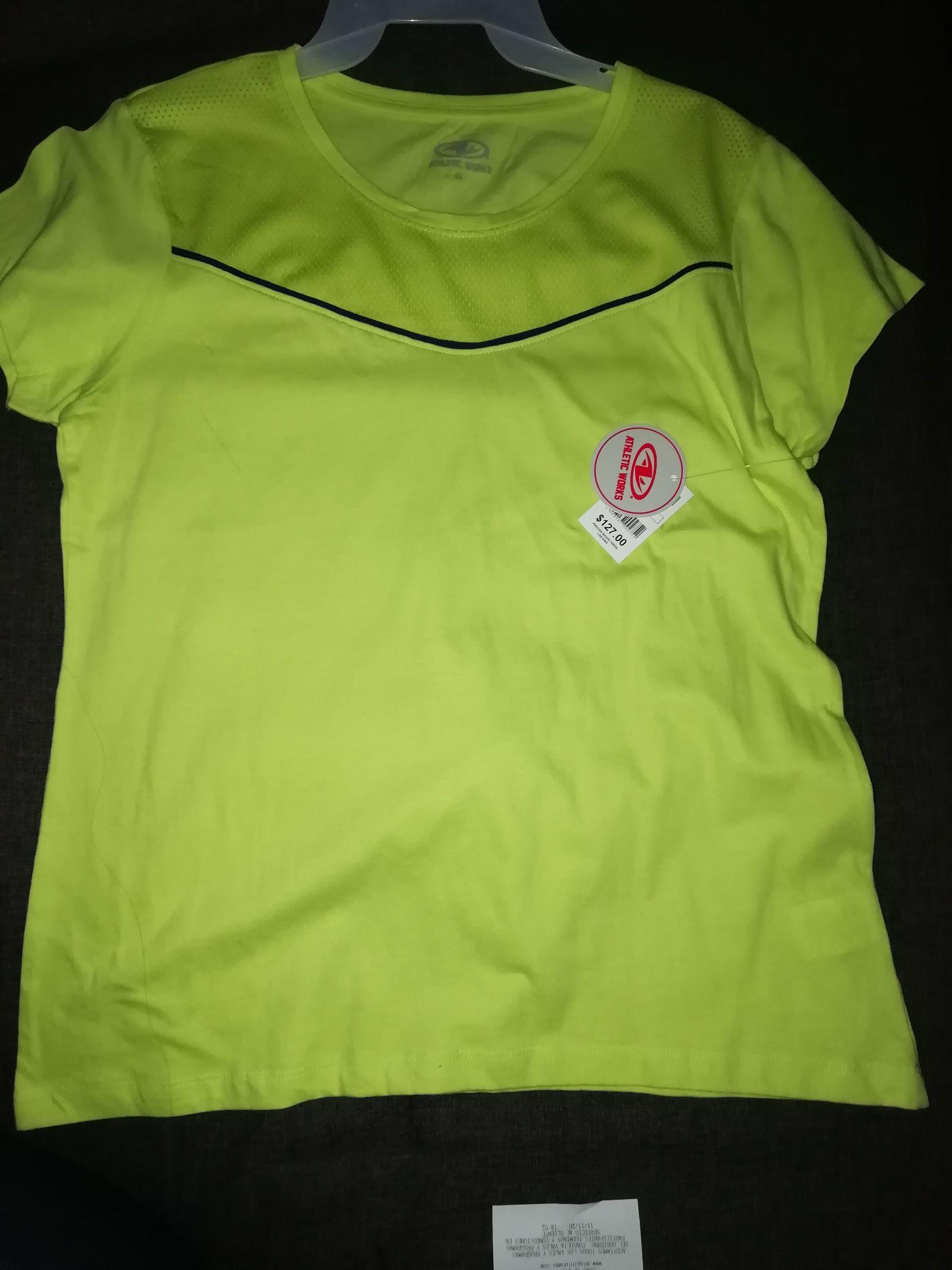 Bodega Aurrera: playera deportiva para dama.