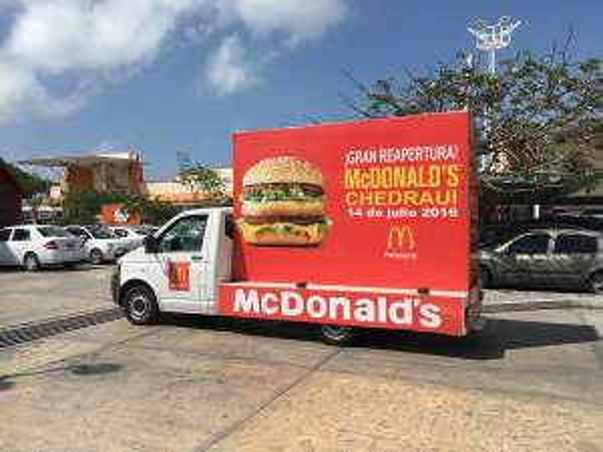 McDonald's regala hamburguesas Big Mac por el resto del año en Playa del Carmen!