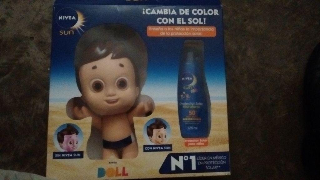 Bodega Aurrerá Tránsito: bloqueadores Nívea Sun FPS50 + Nívea Doll a $50.02