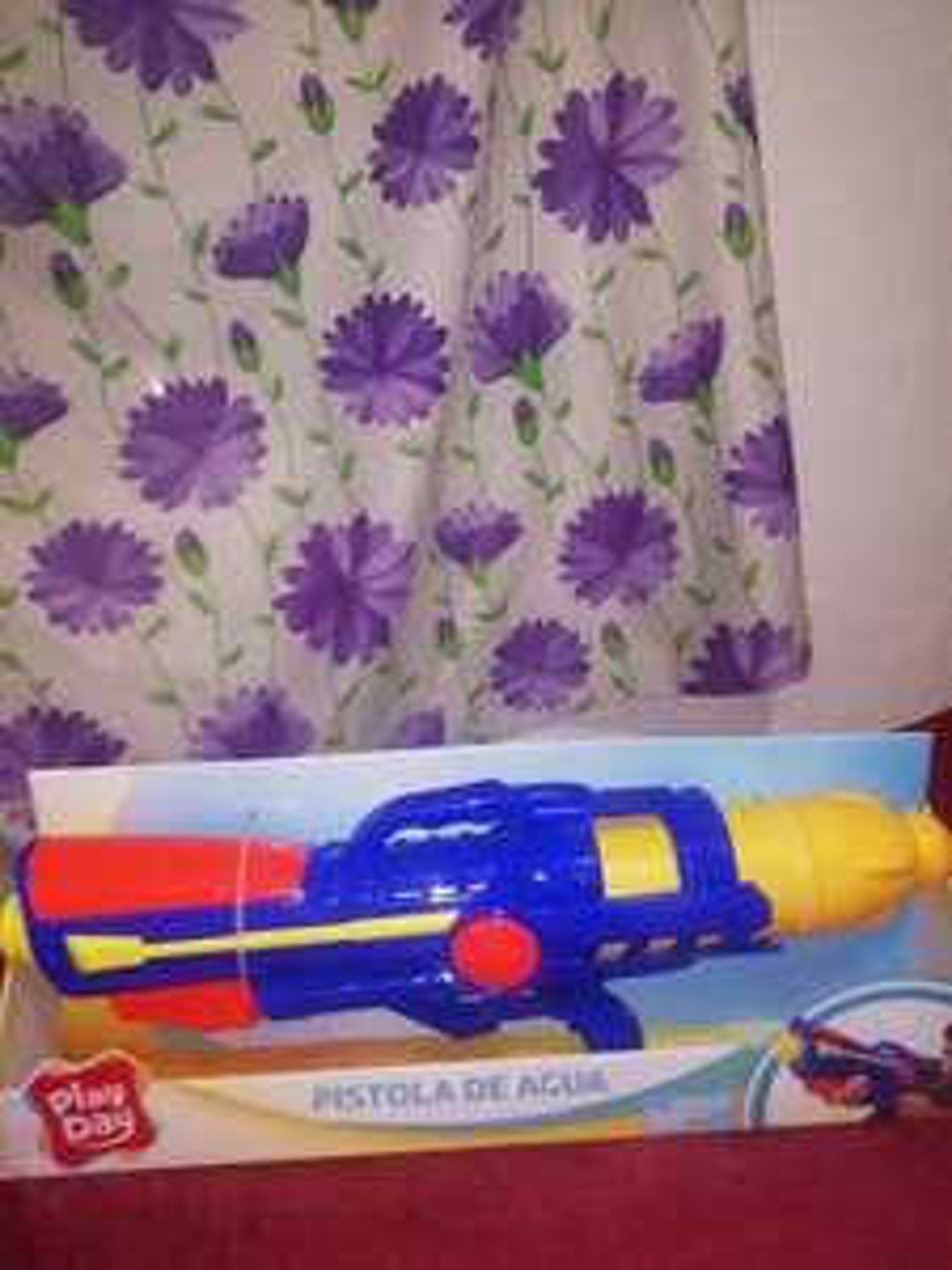 Bodega Aurrera: Pistola play day
