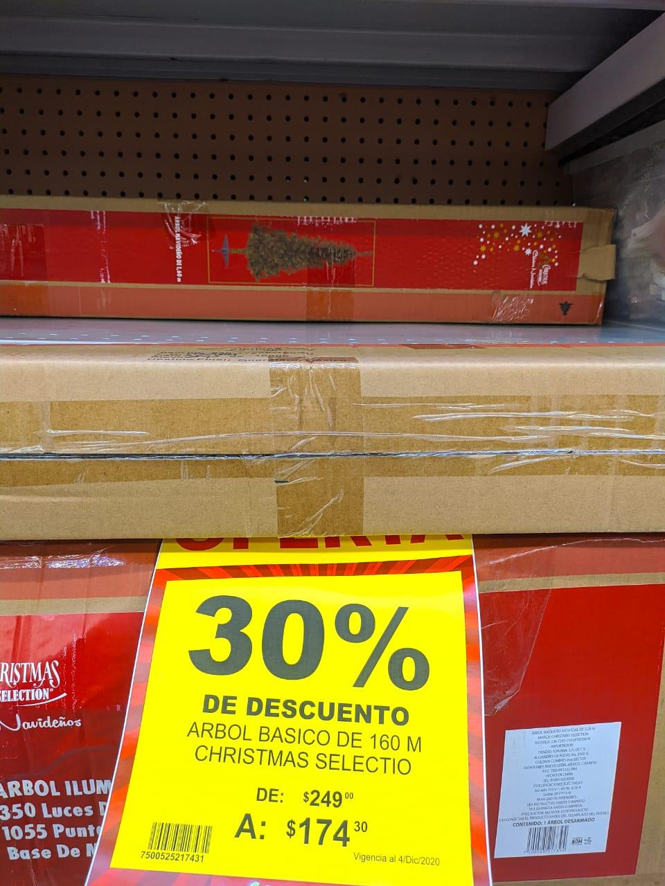 Soriana: Pino de Navidad Artificial 1.6m (30% de descuento en todos los artículos navideños)