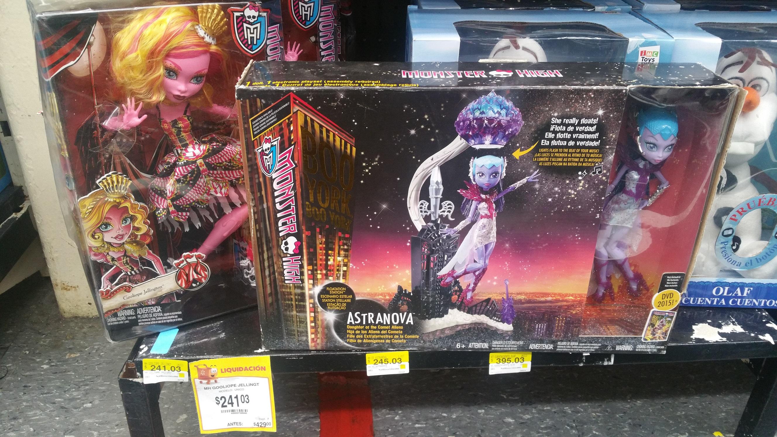 Walmart: Monster High Escenario Estelar Presentando A Astranova y otros juguetes