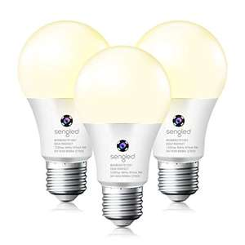Amazon: Bombillas LED con sensor de encendido y apagado automático para exteriores - 3 unidades