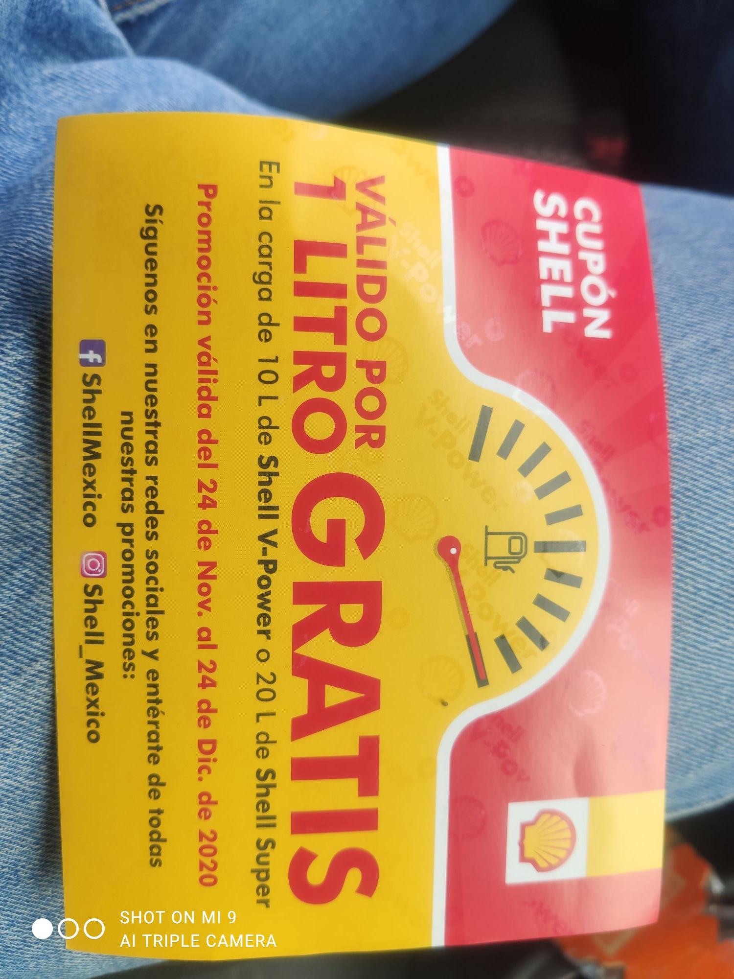 Gasolineras Shell: 1 lt al cargar 10 lt me dieron el cupón en Universidad esquina Av. Popocatepetl CDMX