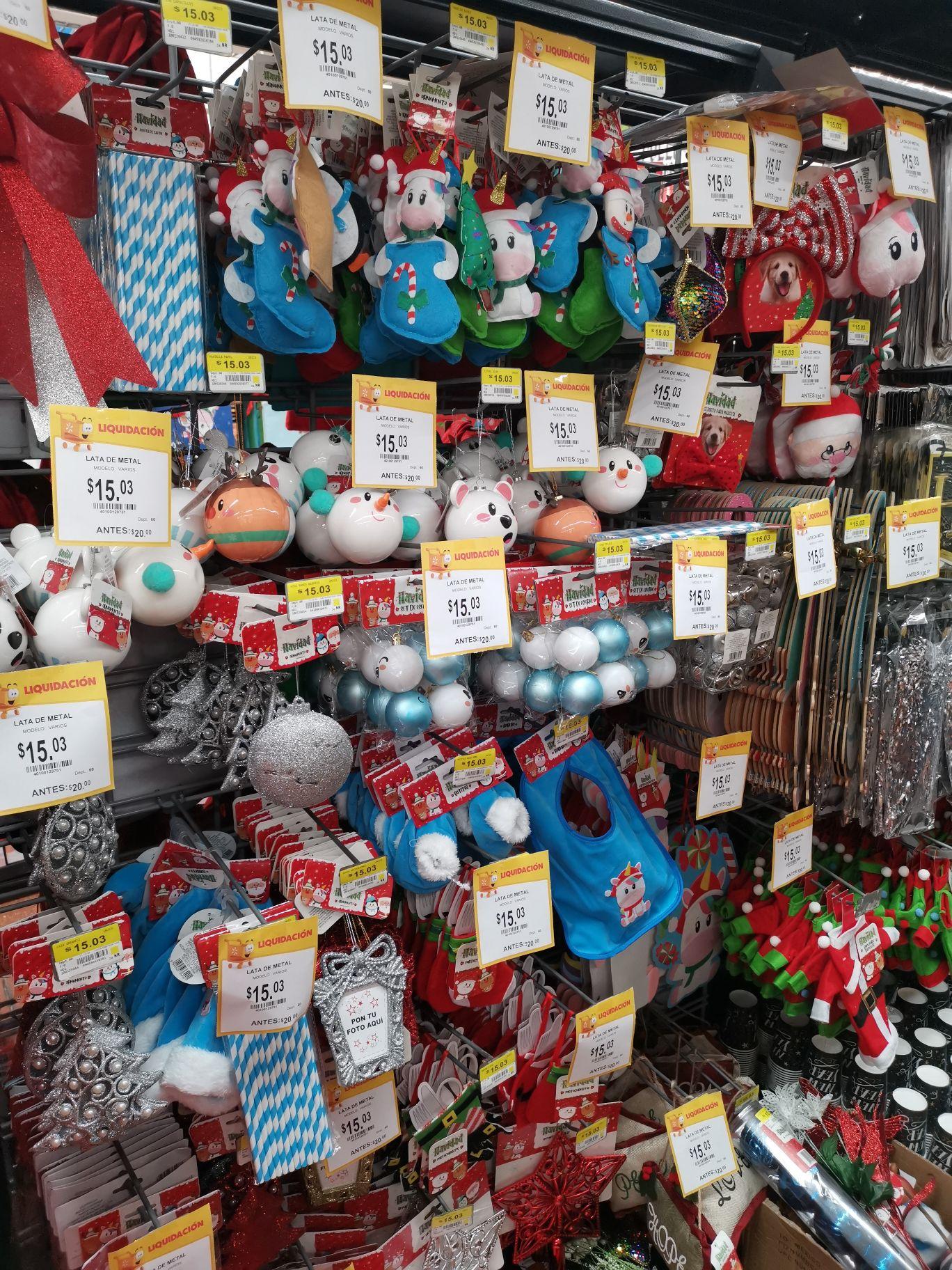 Walmart Acapulco diamante : primera liquidación artículos de navidad