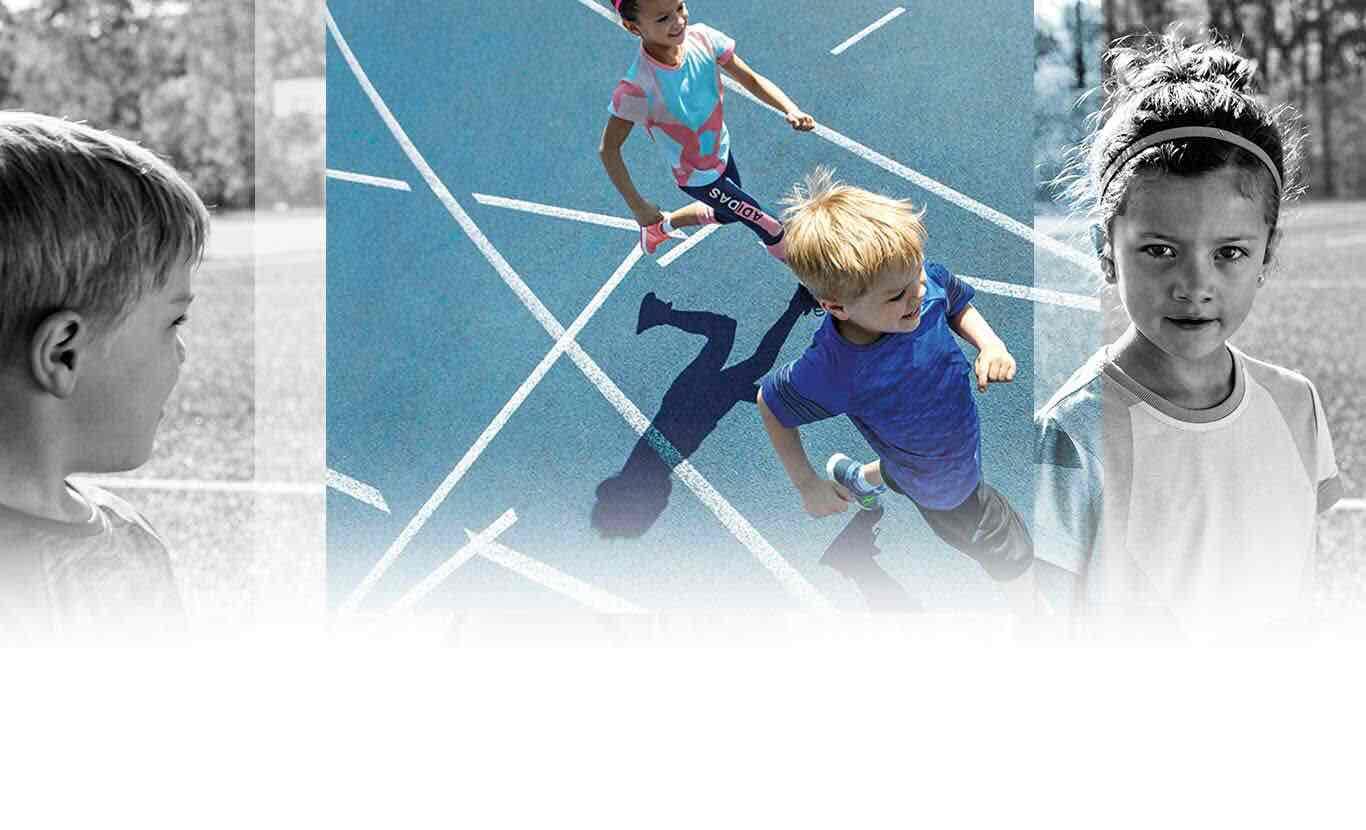 Adidas: 50% en línea... Hay tennis Avengers para niños al 50%