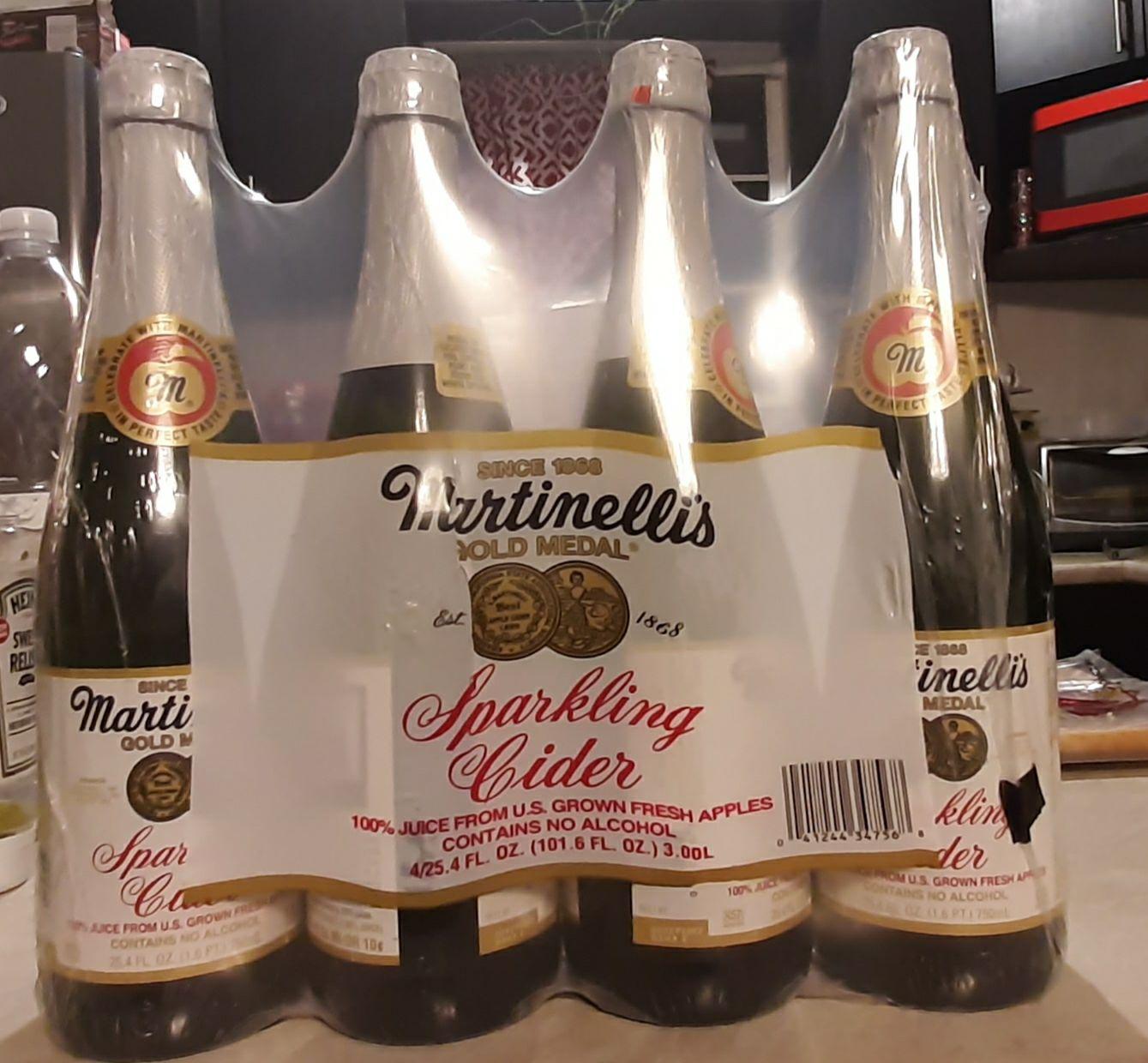 City Club Revolución: Jugo espumoso de manzana Martinelli's, 4 botellas