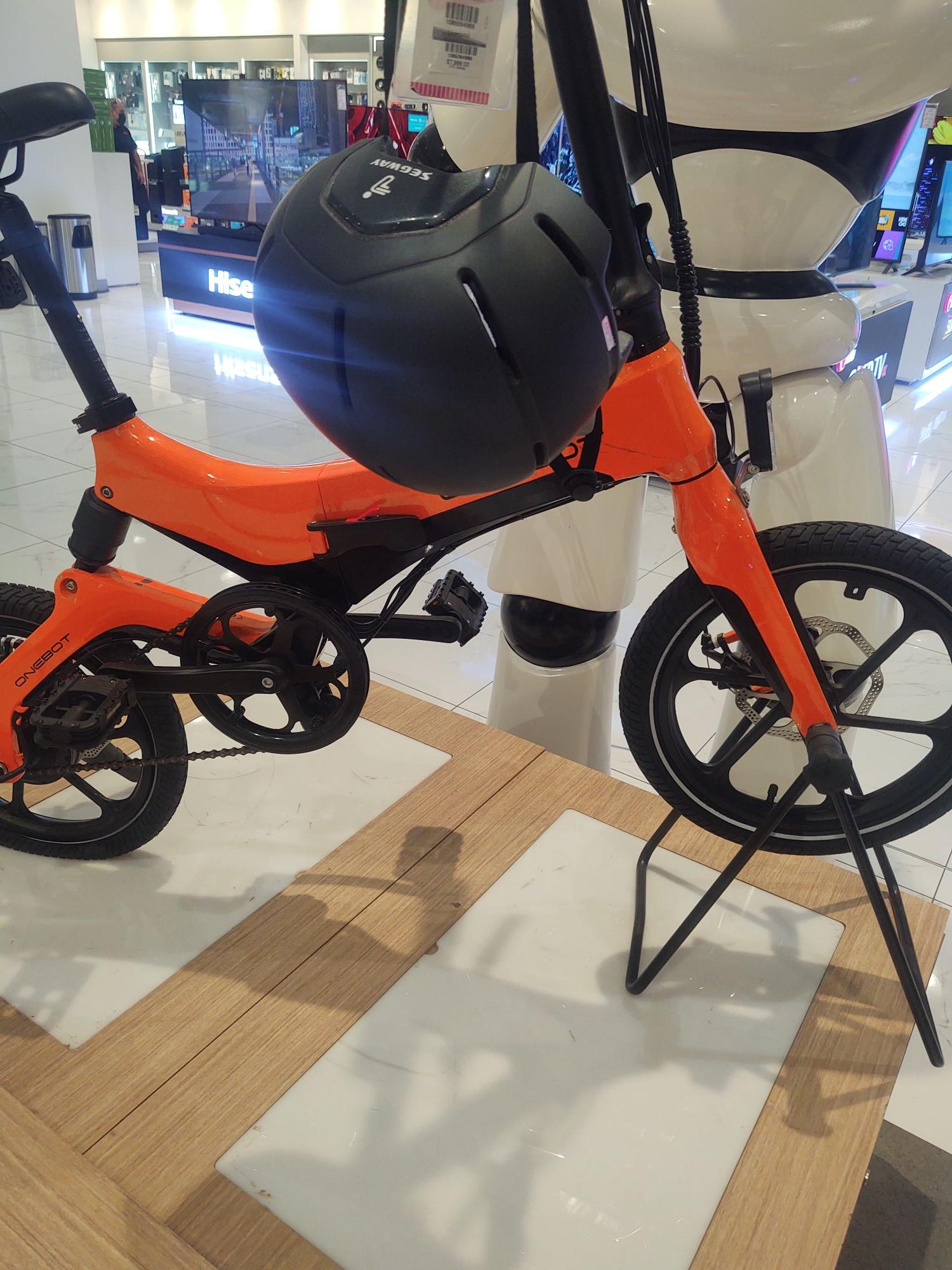 Liverpool Parque Puebla: Bicicleta eléctrica onebot S6
