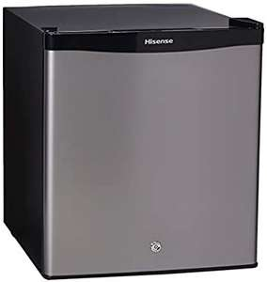 Amazon: Hisense RR16D6ALX Frigobar 1.6 p3, color Silver, 1.6 PIES CUBICOS
