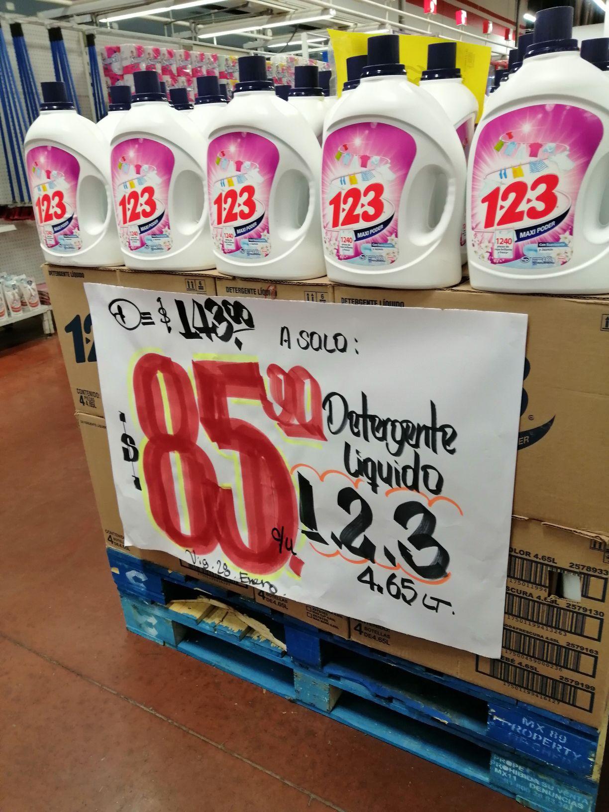 Soriana Mercado Maxiplaza: Detergente líquido 1-2-3 4.5 LT