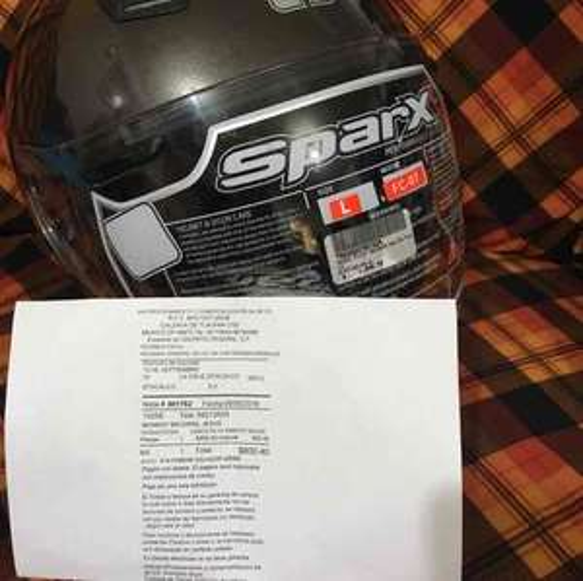 Bajaj Troncoso: Casco Sparx 3/4 excelente calidad $800