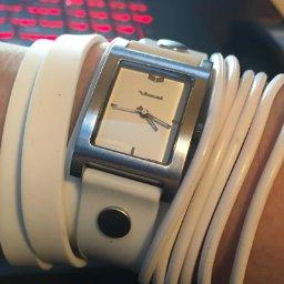 Amazon: Reloj Vestal, modelo Electra, hermoso!