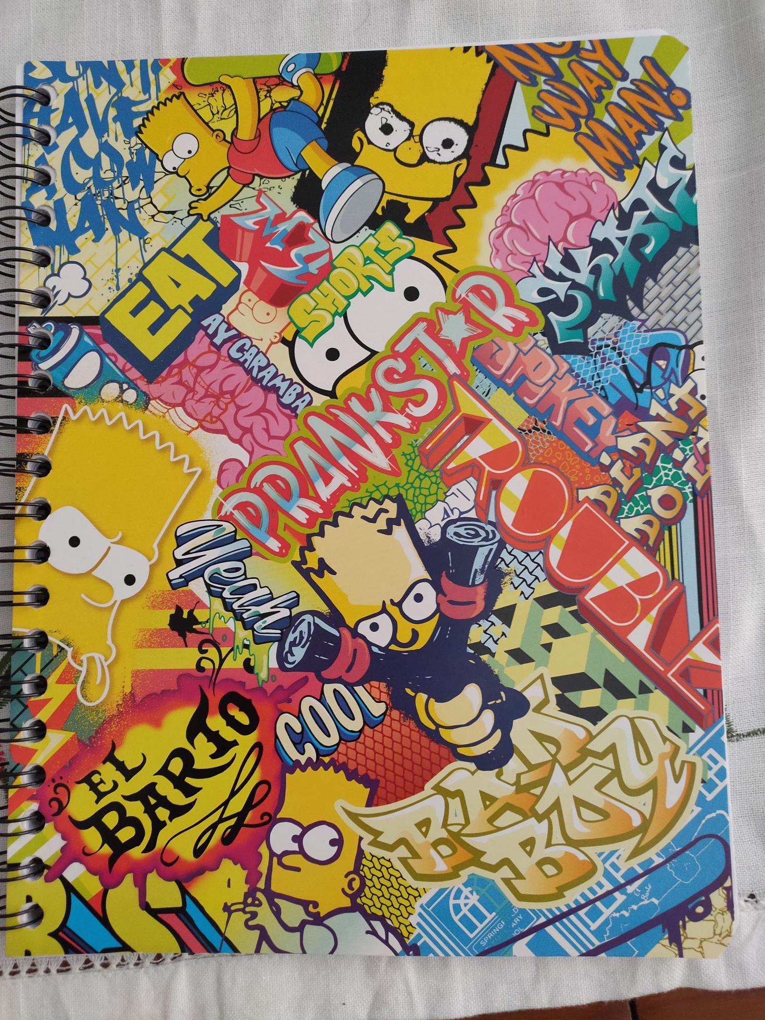Cuadernos de los Simpsons Walmart Plaza Galerías Zapopan, Jalisco