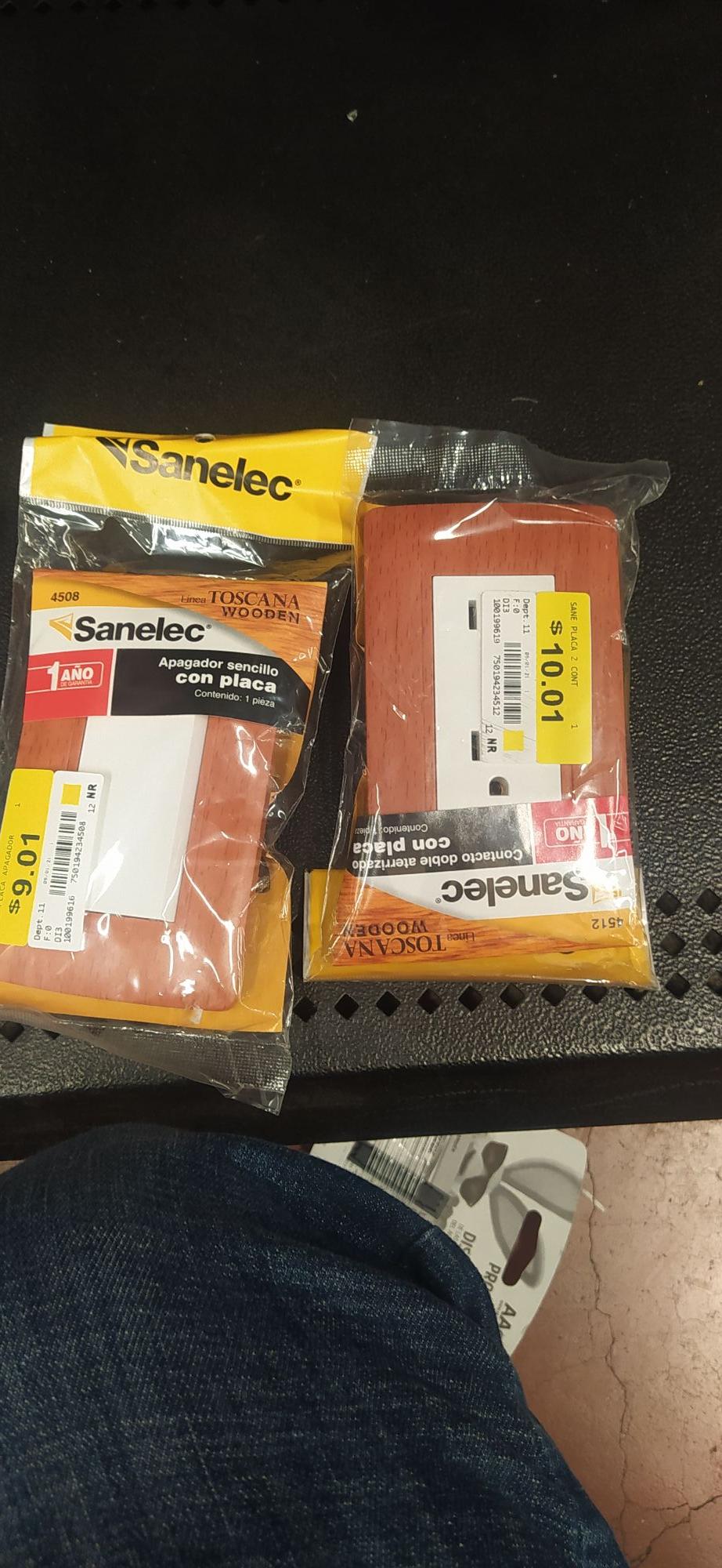 Walmart: Apagadores dobles de 1 y enchufes sanelec