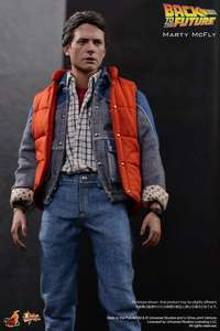 Amazon: Figura Hot Toys, Back to the Future: Marty McFly a $1,329 + $447.90 de Envio (vendido por un tercero)