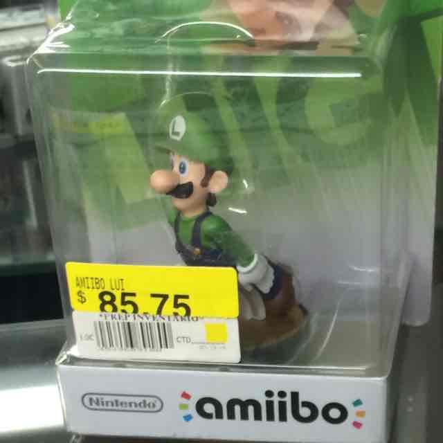 Walmart Plazas Outlet Lerma: Amiibo Mario Verde y Peach