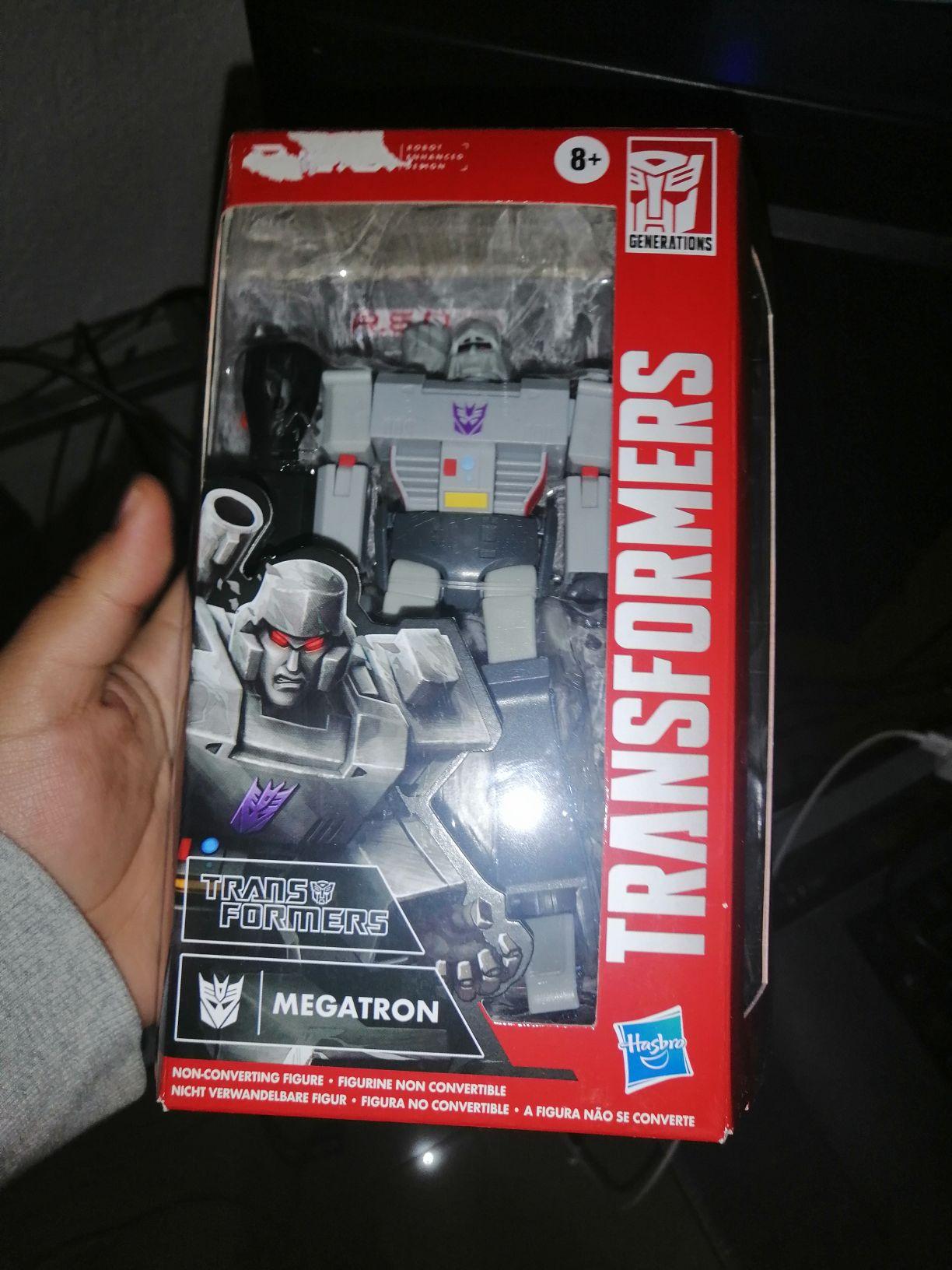 Walmart:Transformers Megatron