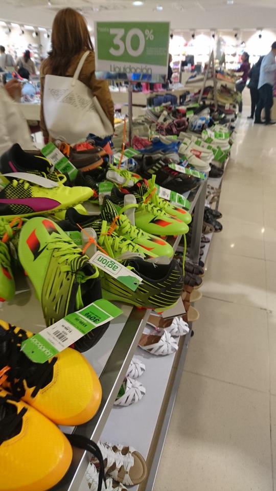 Liverpool: zapatos para niños con 30% de descuento