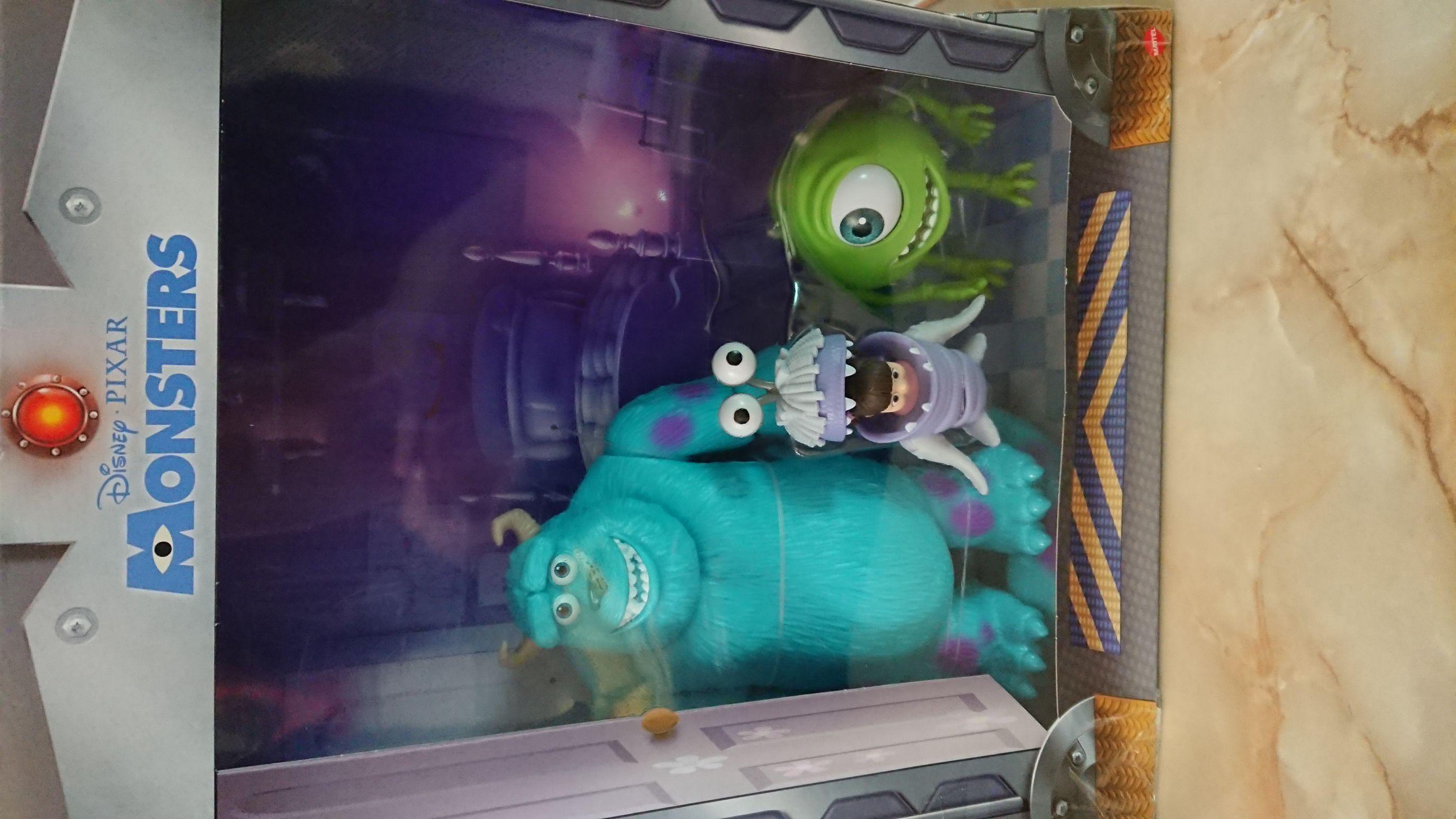 Bodega Aurrerá: Pixar monster inc