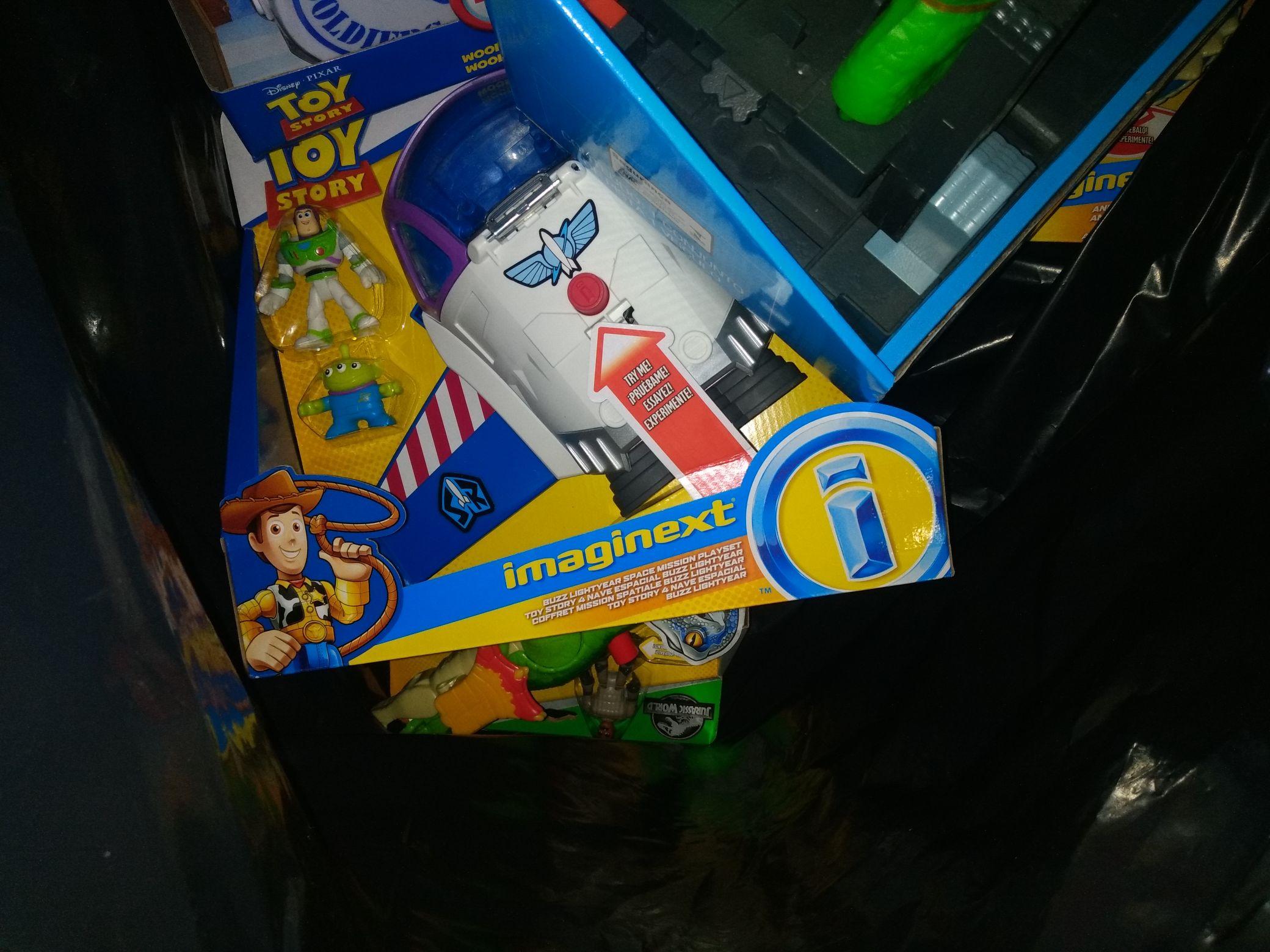 Bodega Aurrerá: varios juguetes