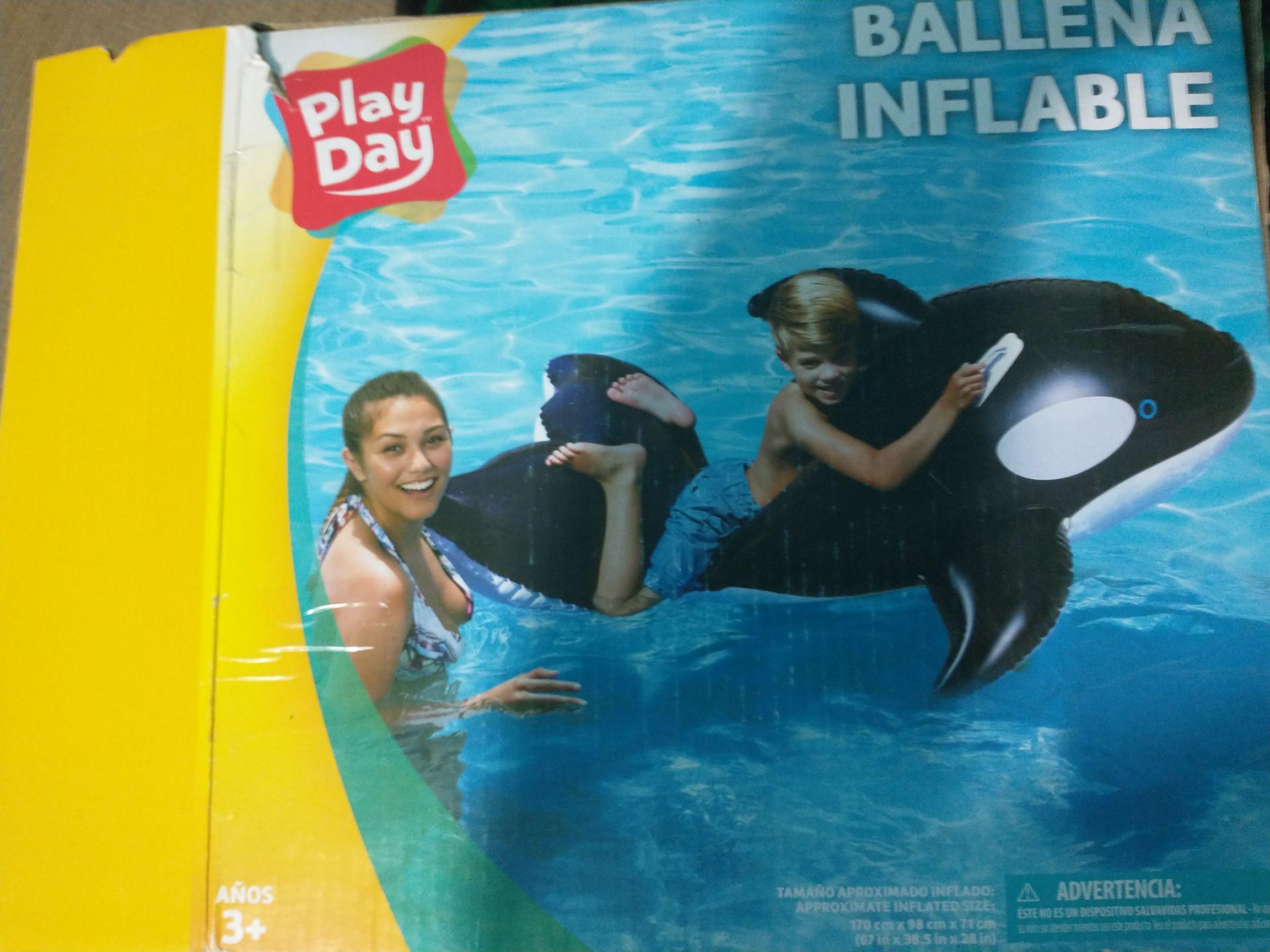 Bodega Aurrerá: ballena inflable 45.01
