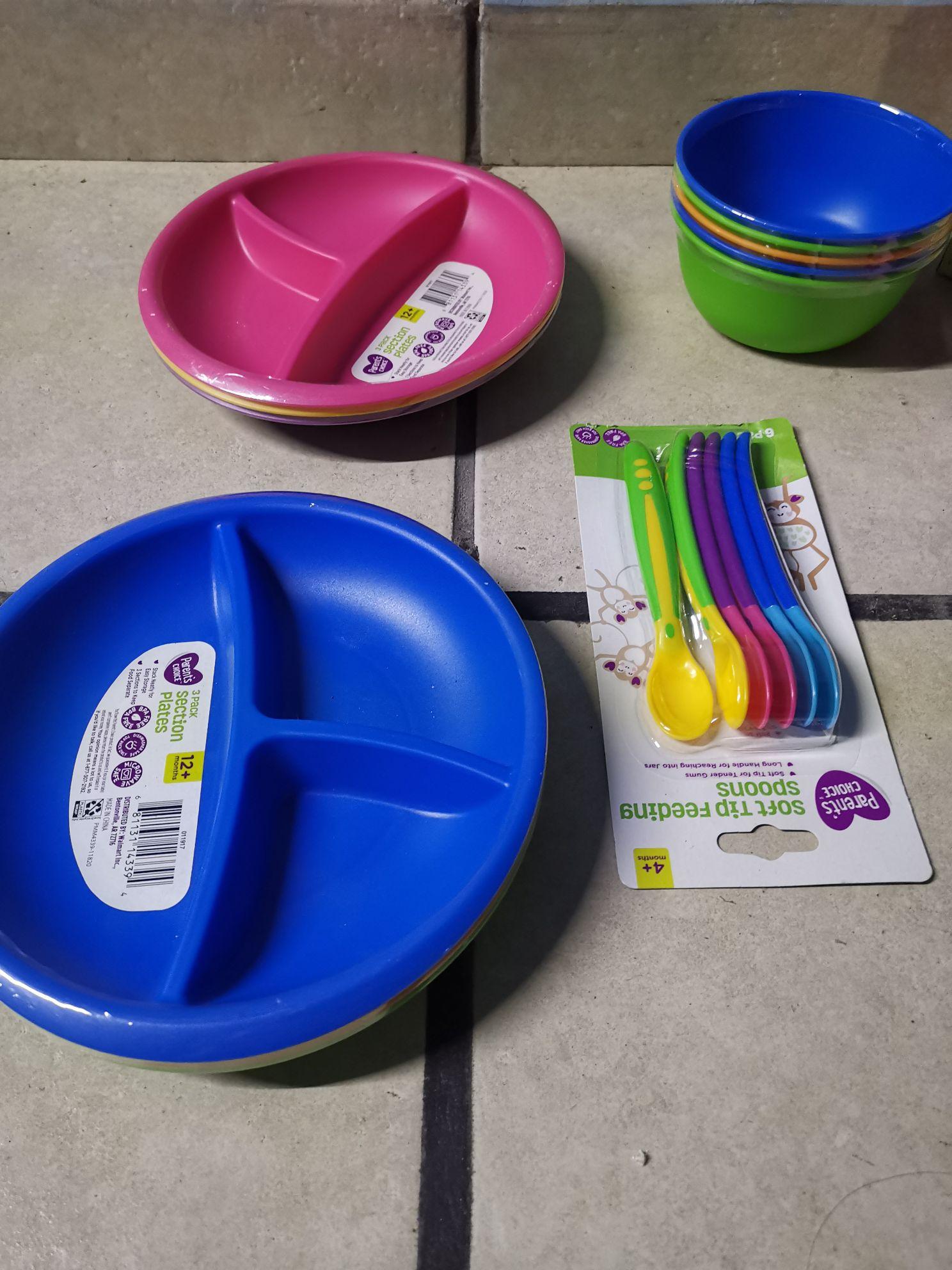 Bodega Aurrera: Platitos y cucharas para bebé (o niños) en última liquidación y chocolates en segunda.